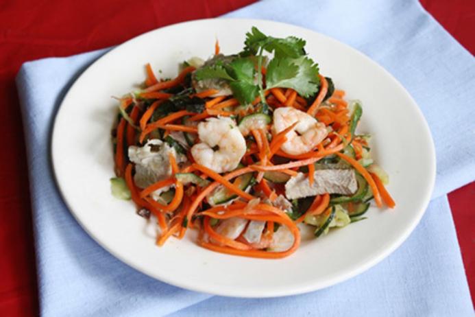 Cách làm nộm dưa chuột cà rốt với tôm thịt chống ngán ngày Tết