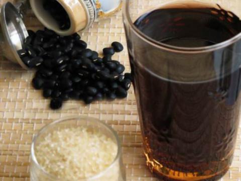 Mách nhỏ cách giải rượu bằng đậu đen hữu hiệu cho ngày Tết